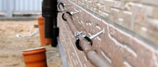 Крепление и монтаж металлических труб